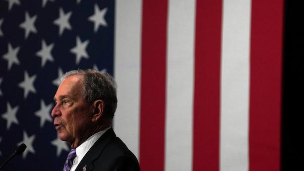 Bloomberg betaler for selvironiske memes under valgkamp