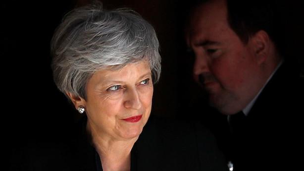 Theresa May gør sidste forsøg med brexit-aftale: Kan blive afsat før tid