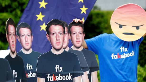 Mens du sov: Nye hug til Facebook