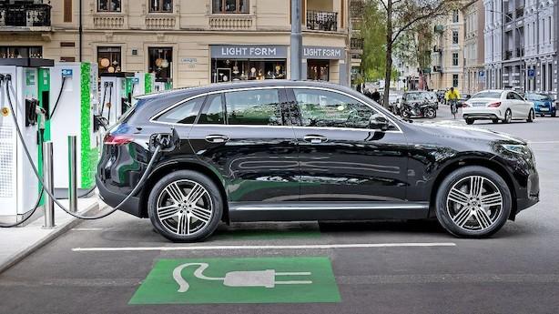 Køen vokser allerede: Ny Mercedes-elbil er det bedste, de har lavet i årevis