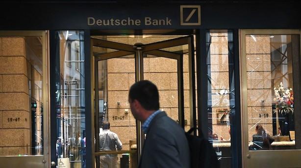 S&P spår risici ved Deutsche Bank-toppens spareplan: Forsinkelser kan hæmme