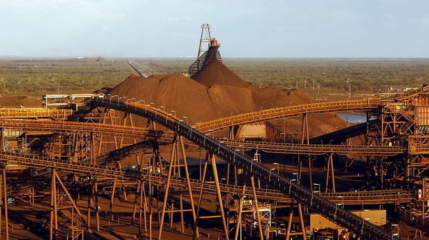 Mineselskabet Rio Tinto skærer i produktion i forhold til 2015