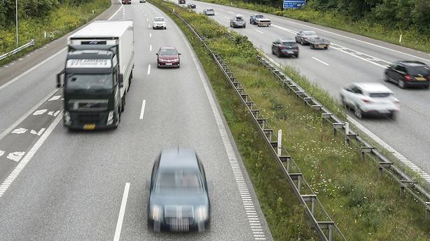 Medier: Regeringen vil lande lynaftale om afgift på biler