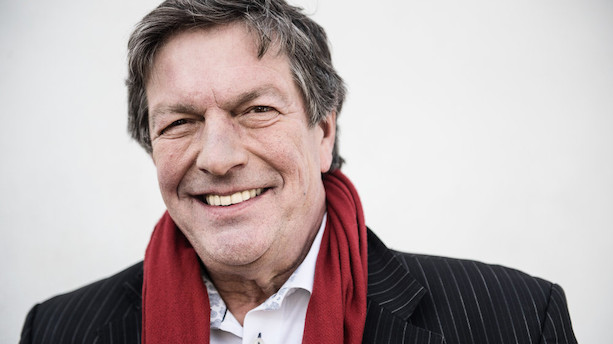 Journalist Ole Stephensen er død - 63 år