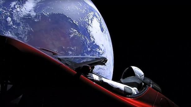 Teslas rumbil kører forbi Mars-kredsløb