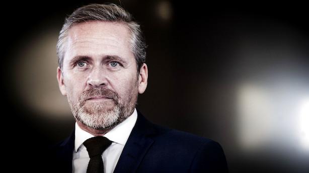 May på charmeoffensiv i Europa - Samuelsen tvivler på at May kan vende stemningen i parlamentet