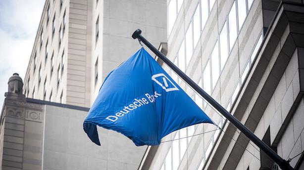 Deutsche Bank-chefer får forbud mod at handle Deutsche-aktier