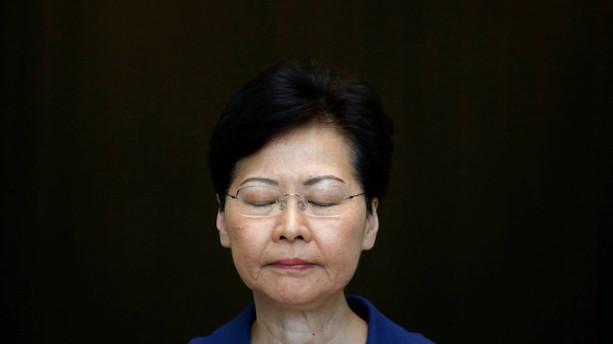 Hongkongs leder til demonstranter: Vold fører os mod afgrunden