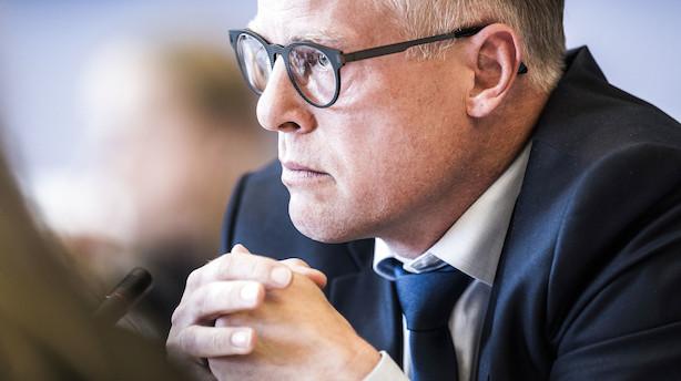Den tidligere minister Carl Holst stopper i politik