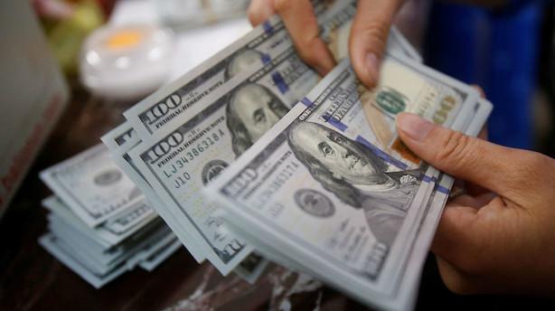 Valuta: Dollar på retur efter fed-signal om stop for stramninger