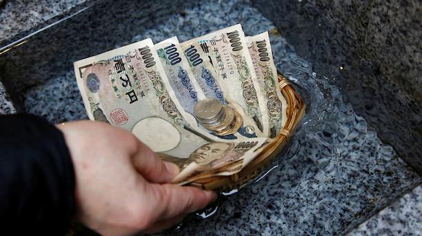 Valuta: Yen rammer årets laveste niveau - investorer søger mod risiko