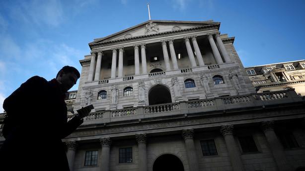 Bank of England fastholder ledende rente - ser behov for flere løft