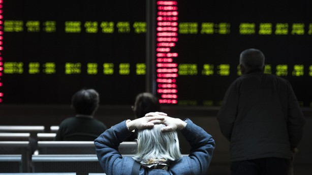 Aktier: Kinesiske børser lukkede første gang efter 14 minutter