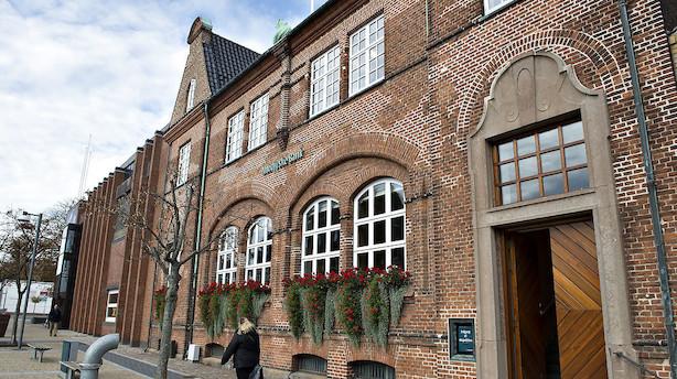 Overblik: Anders Dam, et uinviteret købstilbud og planer om et jysk bankbryllup