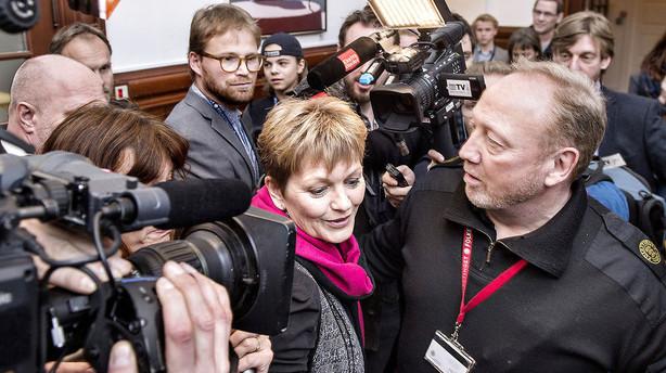 Rød blok stiller mistillidsvotum til Eva Kjer
