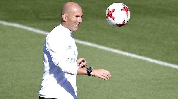 Succestræneren Zidane forlænger med Real Madrid
