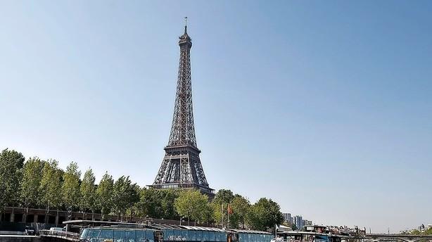 Mand med to skydevåben anholdt i Disneyland Paris
