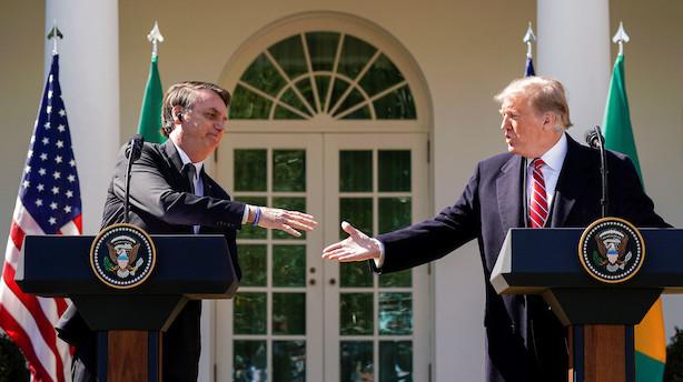 Trump møder brasiliansk perleven og vifter med Nato-medlemskab