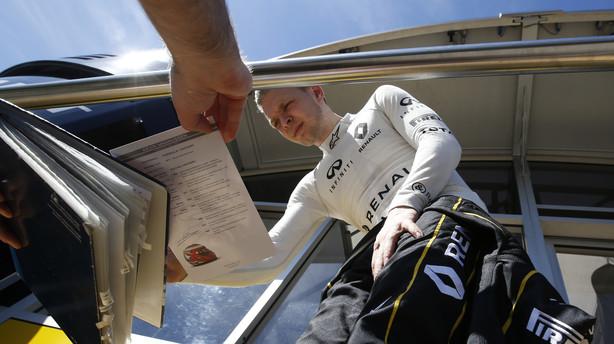Magnussen runder igen 100 omgange i Formel 1-test