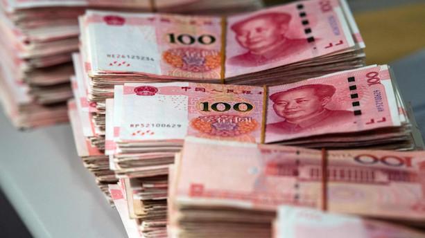 Midt i strid med USA falder Kinas yuan til det laveste i 11 år