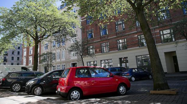 Kommunerne har indkasseret tæt på en milliard på parkeringsbøder og billetter: Her er top 15 over de kommuner der tjener mest på parkering