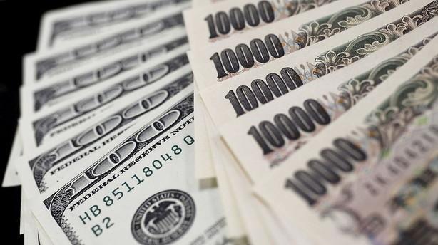 Valuta: V�ksturo og storpolitik sender investorerne mod yen