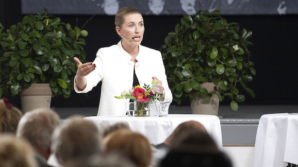 Mette Frederiksen møder rød kritik for