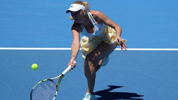 Wozniacki er videre: Uddeler æg i Australian Open