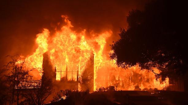 Californisk flammehelvede dræber 23 og ødelægger 3500 bygninger
