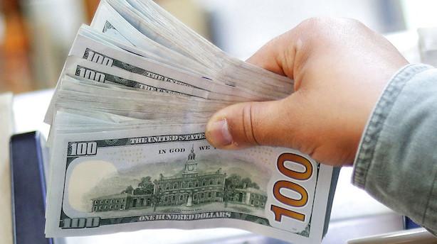 Valuta: Høj rente giver stærk dollar - pund svækkes af brexitkaos