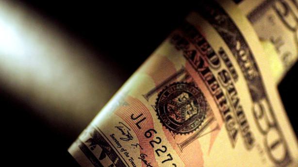 Valuta: Overraskende nøgletal svækker euro mod dollar for en stund