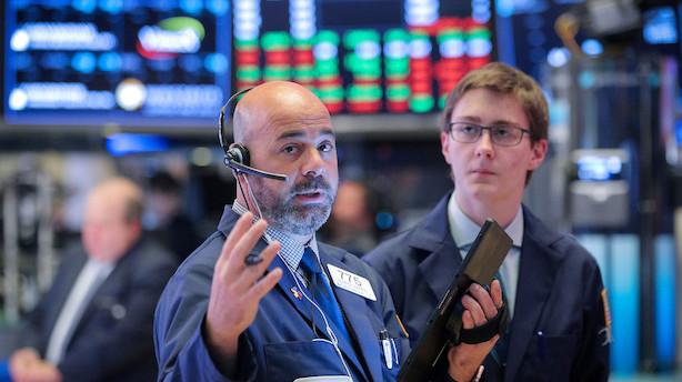 Aktiestatus i USA: Handelsfrygt og svag forbrugertillid sænker aktierne