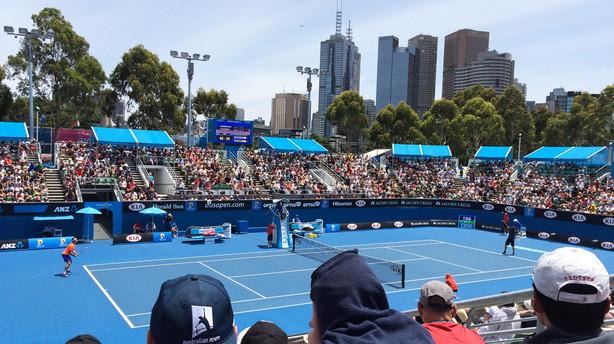 Kom bag tennisbanerne i Australiens næststørste by