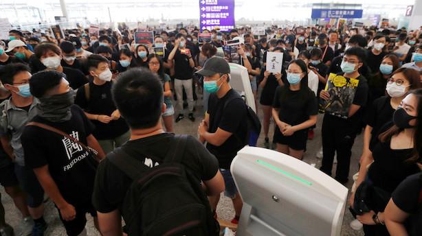 Hongkongs lufthavn ramt af nye demonstrationer