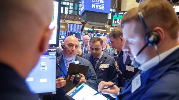 Aktiestatus i USA: Dow Jones hænger i bremsen