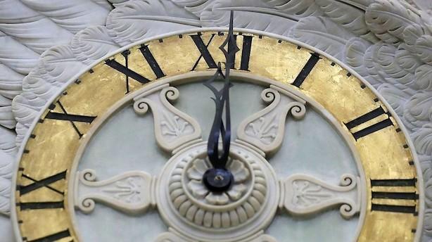 Senatet overskrider tidsfrist for at få budgetaftale på plads