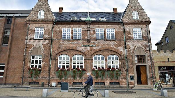 Analyse: Anders Dam og Jyske Bank gør nu alt det, som banken har kæmpet imod i 50 år