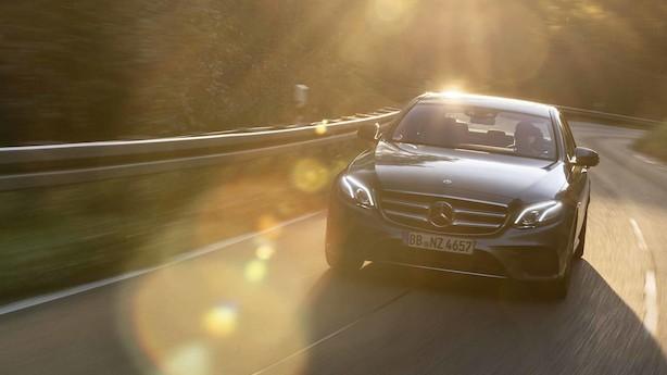 Test: Mercedes E-klasse med kabel leverer overbevisende komfort