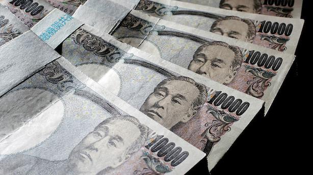 Valuta: Yen styrkes mens pund ligger underdrejet