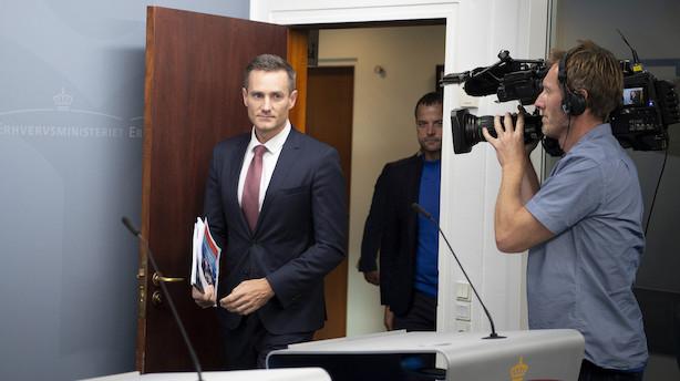 Live: Hvor meget blev erhvervsministeren gjort opmærksom på i Danske Banks hvidvasksag - og hvordan forholder han sig til rapporten? Se samrådet her