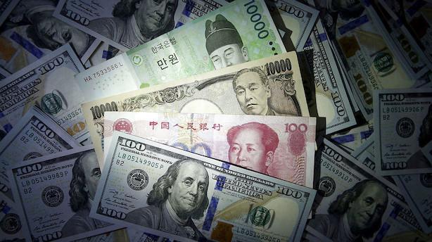 Valuta: Yen og franc presses op af flugt mod sikre aktiver