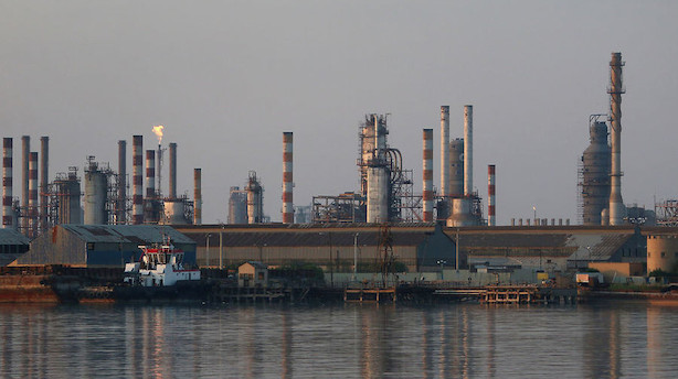 Råvarer: Stigning i lagre og Trump-tale giver fald i oliepriserne
