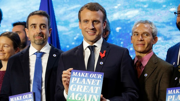 Macron driller Trump: Trækker klimaforskere fra USA til Frankrig med millioner til forskning