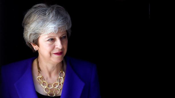 """May opfordrer Corbyn til kompromis: """"Jo længere det tager, jo større er risikoen for, at vi slet ikke udtræder"""""""