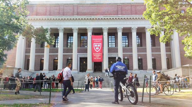 Universitetet hvor de studerende hedder Obama, Bush og kronprins Frederik