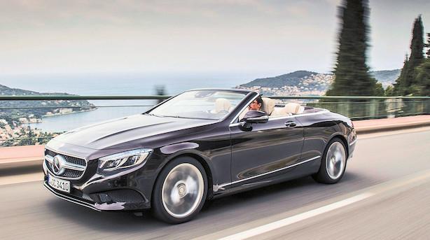 Ophøjet Mercedes bliver topløs med 50 km/t