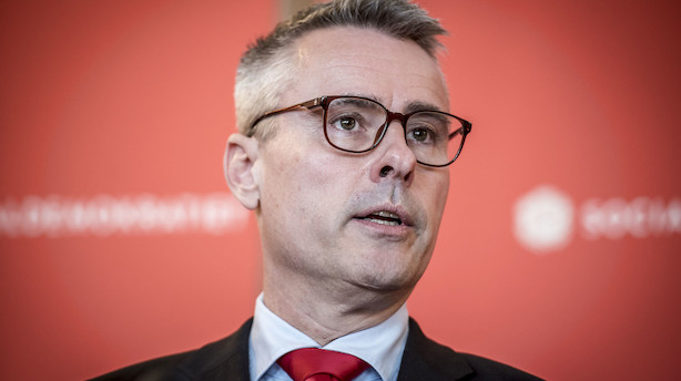 """Henrik  Sass Larsen revser Nets for nyt aktieprogram: """"Man må jo tænke, om de er politisk tonedøve"""""""
