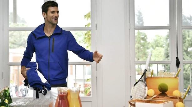 Djokovic er én sejr fra at sætte økonomisk tennis-milepæl