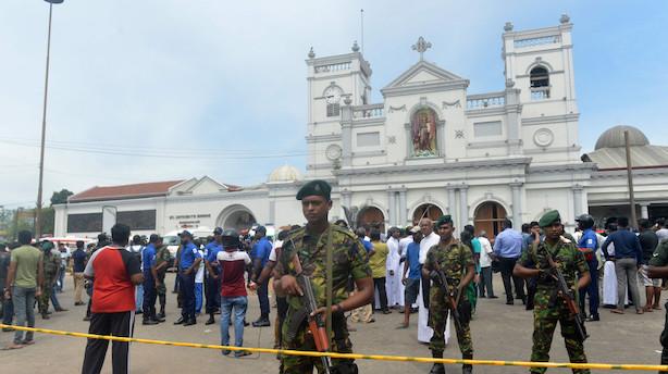 Mindst 190 er dræbt ved bombemassakrer i Sri Lanka