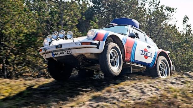 Lars og Annette er klar til at køre Peking-Paris i en gammel Porsche